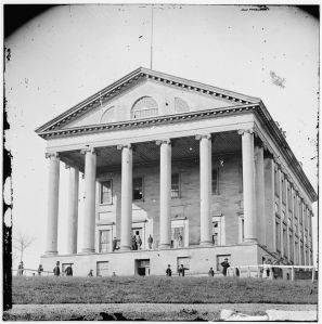 Richmond, Va. Front view of Capitol. April-June 1865. Call No. LC-B811- 3360. Library of Congress Prints and Photographs Division.