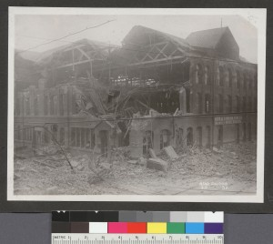 [Earthquake damage to Napa and Sonoma Wine Co. Tenth and Howard Sts.] Bear Photo Co. 1906. [1]