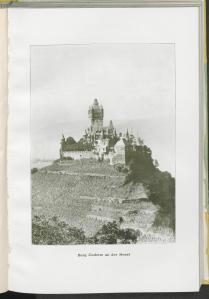 Burg Cochem an der Mosel. [1]