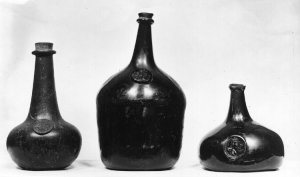 17th century English wine bottles.  The British Museum.